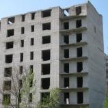 По крыше недостроенной девятиэтажки по ул. Дзержинского вновь ходят подростки