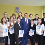 Лучшим волонтерам школ города вручили премии