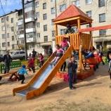 В Шостке стало на две детских площадки больше